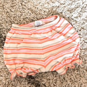 Peek little peanut baby girl shorts. EUC